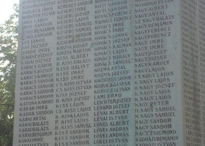 Püspökladány világháborús emlékmű 2009.05.16. küldő-Huszár Peti (5)