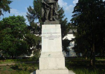 Püspökladány világháborús emlékmű 2009.05.16. küldő-Huszár Peti (7)