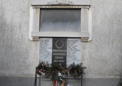 Püspökmolnári világháborús emléktáblák 2009.01.19.küldő-gyurkusz