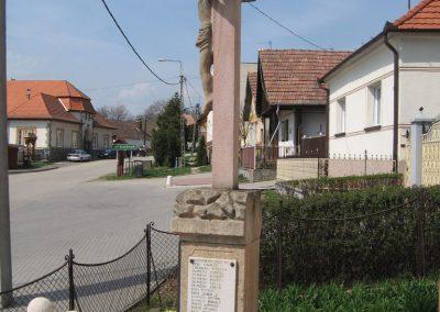 Püspökszilágy világháborús emlékmű 2009.04.10.küldő-kalyhas (3)