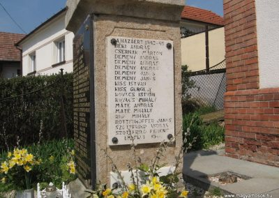 Püspökszilágy világháborús emlékmű 2009.04.10.küldő-kalyhas (4)