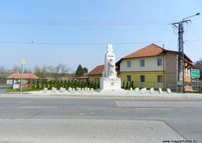 Pacsa felújított I. világháborús emlékmű 2017.03.25. küldő-Huber Csabáné