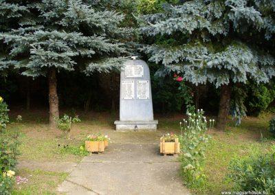 Padár világháborús emlékmű 2009.07.06.küldő-HunMi