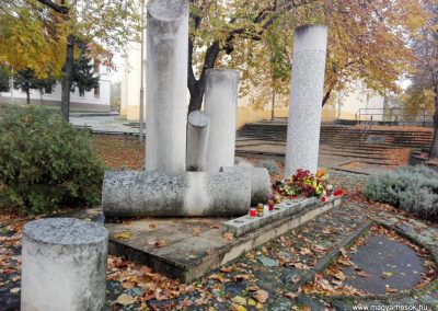 Paks II. világháborús emlékmű 2016.11.06. küldő-Török Bernadett (3)