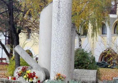 Paks II. világháborús emlékmű 2016.11.06. küldő-Török Bernadett (9)