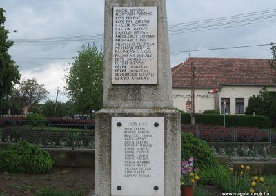 Palotás világháborús emlékmű 2010.05.14. küldő-kalyhas (10)