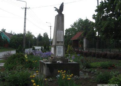 Palotás világháborús emlékmű 2010.05.14. küldő-kalyhas (11)