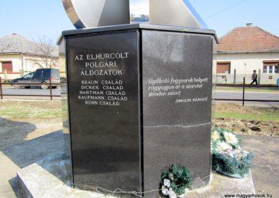 Pap világháborús emlékmű 2014.02.24. küldő-kalyhas (8)