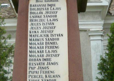 Papkeszi világháborús emlékmű 2010.05.30. küldő-Ágca (3)