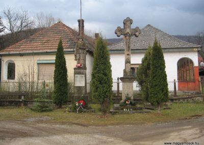 Parádóhuta világháborús emlékmű 2009.03.16. küldő-kalyhas