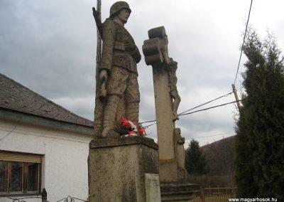 Parádóhuta világháborús emlékmű 2009.03.16.küldő-kalyhas (3)