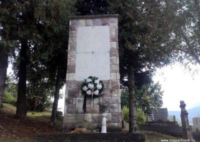 Parád II. világháborús emlékmű 2017.09.20. küldő-kalyhas (2)