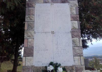 Parád II. világháborús emlékmű 2017.09.20. küldő-kalyhas (3)