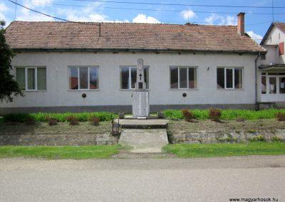 Patak világháborús emlékmű 2012.04.25. küldő-kalyhas