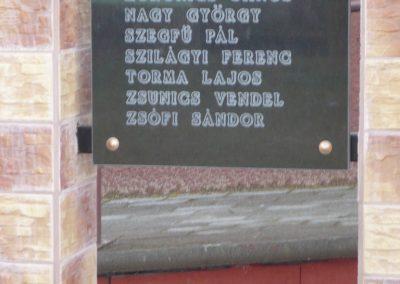 Patosfa I.vh emlékmű 2010.03.01. küldő-Sümec felújítás után (3)