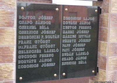 Patosfa II.vh emlékmű 2010.03.01. küldő-Sümec felújítás után (4)