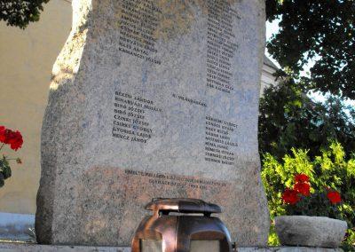 Pellérd világháborús emlékmű 2012.07.31. küldő-KRySZ (2)