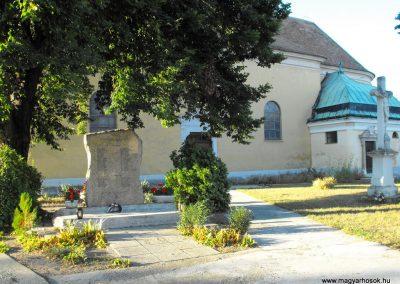 Pellérd világháborús emlékmű 2012.07.31. küldő-KRySZ