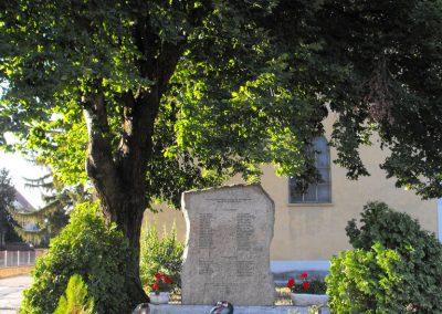 Pellérd világháborús emlékmű 2012.07.31. küldő-KRySZ (6)