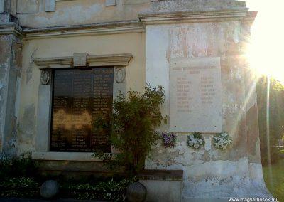 Pelsőc világháborús emléktáblák 2012.05.26. küldő-Pataki Tamás