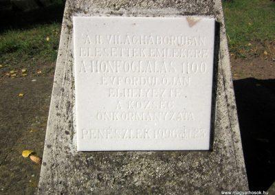Penészlek II. világháborús kopjafa 2013.10.11. küldő-kalyhas (2)