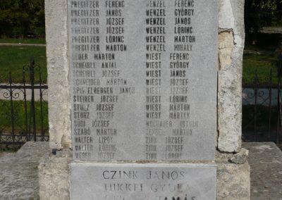 Perbál világháborús emlékmű 2009.09.19. küldő-Sümec (13)