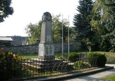 Perbál világháborús emlékmű 2009.09.19. küldő-Sümec (8)