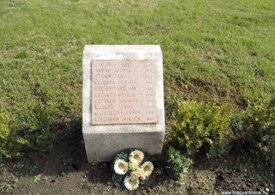 Perbete II. világháborús emlékmű 2013.09.15. küldő-Méri (12)