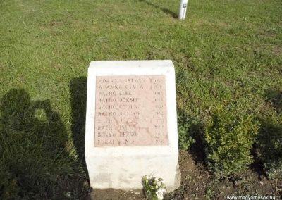 Perbete II. világháborús emlékmű 2013.09.15. küldő-Méri (8)
