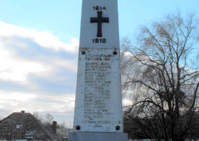 Perenye világháborús emlékmű 2009.01.16. küldő-gyurkusz (2)