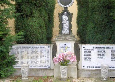 Peresznye világháborús emlékmű 2010.07.05. küldő-gyurkusz (3)