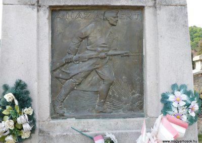 Perkupa világháborús emlékmű 2009.05.11.küldő-Gombóc Arthur (2)
