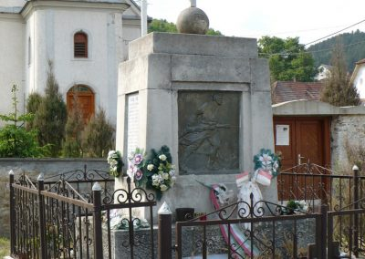 Perkupa világháborús emlékmű 2009.05.11.küldő-Gombóc Arthur (5)