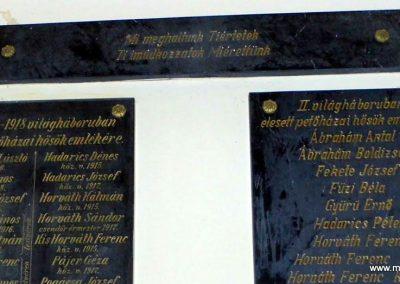 Petőháza világháborús emléktáblák 2013.12.17. küldő-Méri (3)