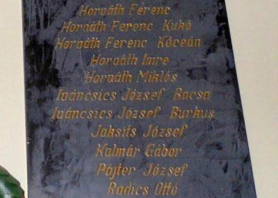 Petőháza világháborús emléktáblák 2013.12.17. küldő-Méri (4)