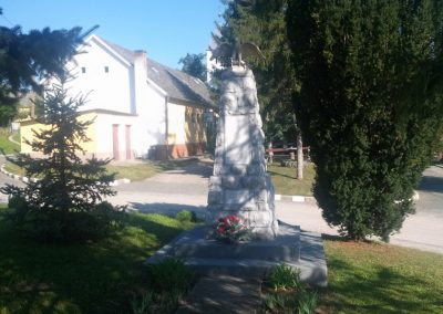 Peterd I. világháborús emlékmű 2014.08.29. küldő-KRYSZ (1)