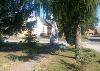 Peterd I. világháborús emlékmű 2014.08.29. küldő-KRYSZ