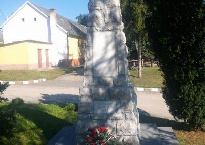 Peterd I. világháborús emlékmű 2014.08.29. küldő-KRYSZ (6)
