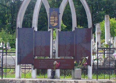 Pethőhenye világháborús emlékmű 2008.07.17. küldő-HunMi (1)