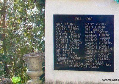 Petrikeresztúr világháborús emlékmű 2008.02.19. küldő-HunMi (2)