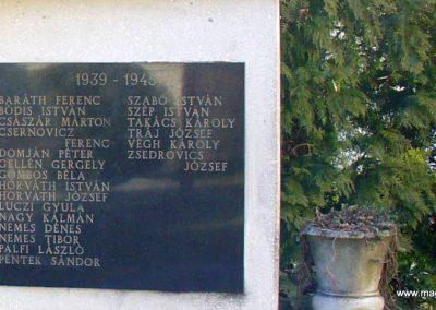 Petrikeresztúr világháborús emlékmű 2008.02.19. küldő-HunMi (4)
