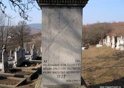 Piliny I.vh emlékmű 2011.03.12. küldő-kalyhas (2)