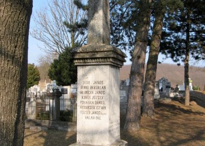 Piliny I.vh emlékmű 2011.03.12. küldő-kalyhas (6)