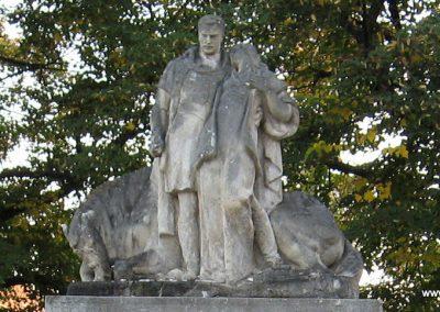 Pilismarót világháborús emlékmű 2007.09.15. küldő-Kályhás (1)
