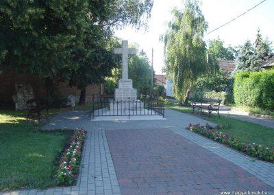 Pilisszántó világháborús emlékmű 2008.06.28. küldő-Huszár Peti