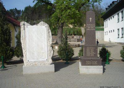 Pilisszentiván hősi emlékmű 2008.04.21. küldő-Huszár Peti (8)