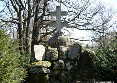 Pilisszentkereszt-Dobogókő világháborús emlékmű 2010.04.17. küldő-Ágca