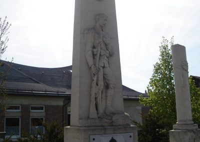 Pilisvörösvár hősi emlékmű 2008.04.21. küldő-Huszár Peti (1)