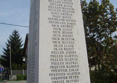 Pilisvörösvár hősi emlékmű 2008.04.21. küldő-Huszár Peti (10)