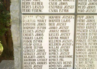 Pincehely II.vh emlékmű 2012.04.27. küldő-miki (2)